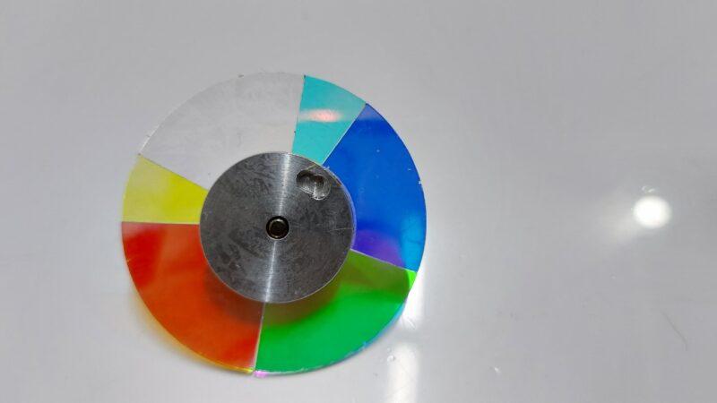 شیشه کالرویل ویدئو پروژکتور- شرکت ایده گسترش